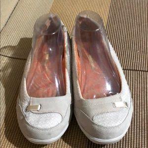 Skechers Light Gray Slip On Loafers EUC